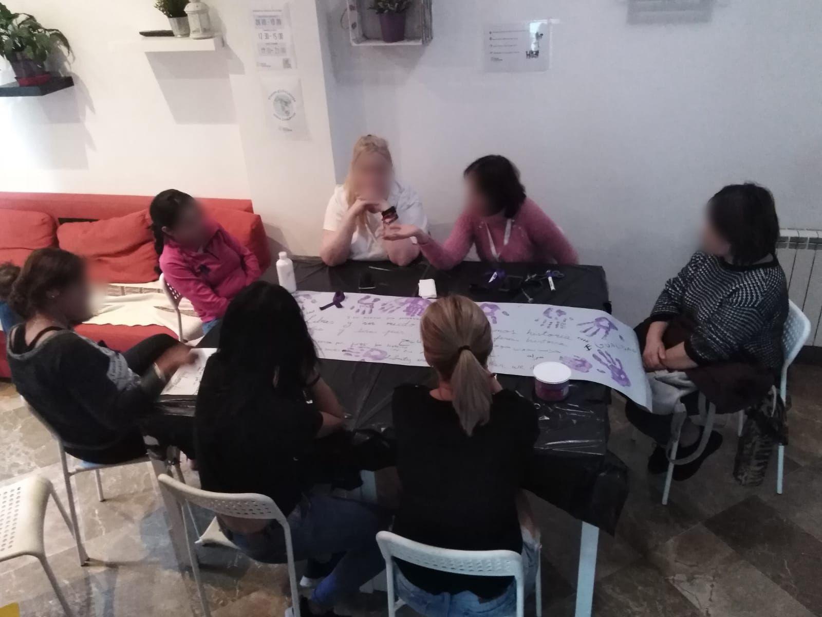 Socio Habitatge Taller del dia de la dona